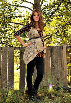 Leopard Maternity Outfit. Not a fan of leopaed, but love the overall look