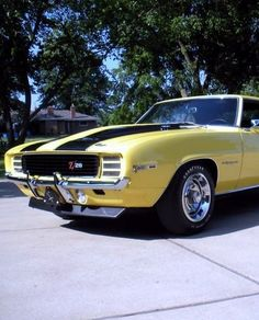 This classic Chevy Camaro from 1969 might be the best muscle you car you see this #MuscleCarMonday. Check it out... http://www.ebay.com/motors/garage/profile/7293570/1969-Chevrolet-Camaro?roken2=ta.p3hwzkq71.bdream-cars