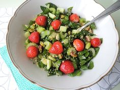 Recept: Groene salade met rode aardbeien