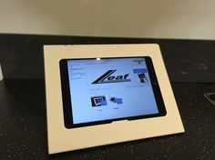Dutch design and make Lleaf fix universal 10 inch tablet table stand. Exclusive on sale at www.lleaf.nl