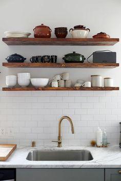 Küchengestaltung Ideen offene Küchenregale aus Holz