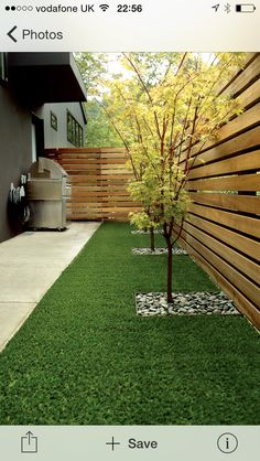 Steal these cheap and easy landscaping ideas​ for a beautiful backyard. Get our best landscaping ideas for your backyard and front yard, including landscaping design, garden ideas, flowers, and garden design. Diy Privacy Fence, Privacy Fence Designs, Backyard Privacy, Small Backyard Landscaping, Backyard Fences, Garden Fencing, Pergola Patio, Privacy Landscaping, Diy Fence