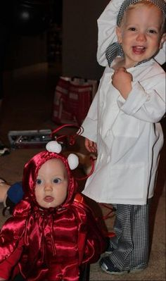 54 cute creepy and clever halloween costumes for siblings - Cute And Clever Halloween Costumes