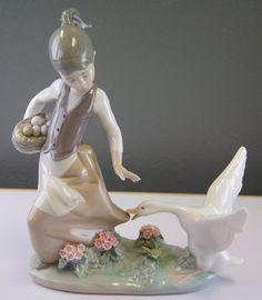 Lladro Aggressive Goose Retired Porcelain Figurine.
