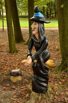 Wicked Wooden Witch