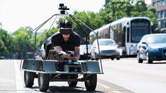 Schon mal mit VR-Brille auf einer Art Hightech BobbyCar gelegen und versucht, nur mit Sensoren zu fahren? MoovelLab hat genau das getestet.
