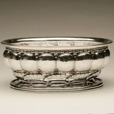 "Gallery 925 - Georg Jensen centerpiece ""melon"" bowl no. 189 , Handmade Sterling Silver"