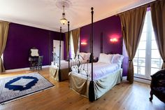 who's afraid of purple? purple and gold bed room in France. www.chateaurobertfrance.fr