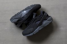 Nike Air Huarache Black/Dark Grey