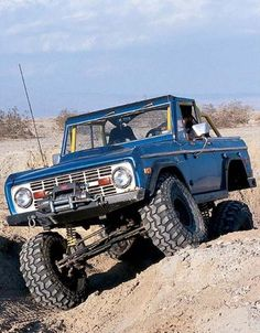 Ford Bronco On A Quest Ford Bronco Classic Ford Broncos Early Bronco