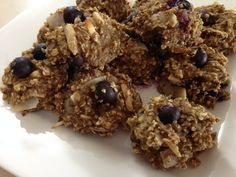 Pre Workout Granola Cookies with blueberries and coconut chips - no added sugar!