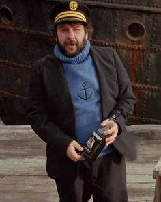 Peter Jackson, dressed as Captain Hadock from the Adventures of Tin Tin, which he produced. =v)