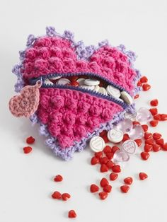 Heart candy bag - free crochet pattern