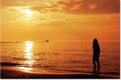 Photoshop warm golden sunset effect. Image © 2015 Photoshop Essentials.com