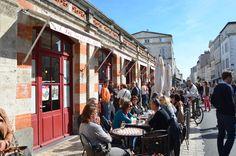 extérieur du marché couvert de La Rochelle Monuments, Ville France, Street View, Charentes, French Food, Travel, Tourism, Viajes, Destinations