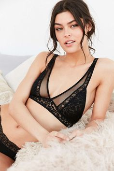 Out From Under Eileen Lace Bra - Urban Outfitters
