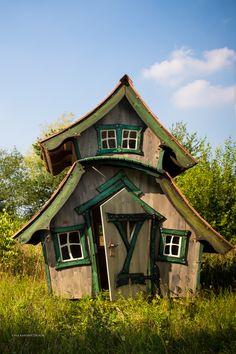 Imaginative Bird House Design - Lawn and Garden Today Cubby Houses, Play Houses, Tiny House, House Dr, Crooked House, Fairytale House, Fairy Garden Houses, Garden Birds, Backyard Sheds