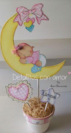 Centro de mesa para baby shower niña <3 https://www.facebook.com/pages/Detallitos-con-amor/226388200757614