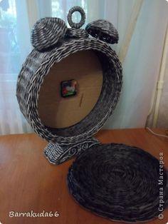 Поделка изделие Декупаж Плетение Старинные часы   Будильник Бумага газетная Трубочки бумажные фото 5