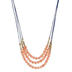 Loving this beachy necklace! Pretty in paradise beaded necklace from Total Betty Society!