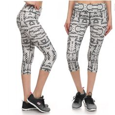 ✳️SALE In style activewear Capri High quality printed Capri athletic . Comes with hidden pocket 88% polyester 12 %spandex top quality. Non sheer fabric . Top quality workout pants Pants Leggings