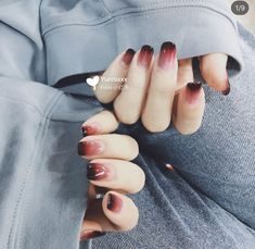 Pin by Marian Ladeza on Beauty Board in 2019 Nails Gradiant nails Gel Nails Pin by Marian Ladeza on Beauty Board in 2019 Nails Gradiant nails Gel Nails Korean Nails, Korean Nail Art, Stylish Nails, Trendy Nails, Cute Acrylic Nails, Cute Nails, Gradiant Nails, Do It Yourself Nails, Nagellack Design