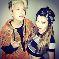 f(x)'s Amber and 4Minute's HyunA