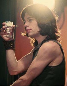 Performance Joey Ramone, Ramones, Mick Jagger Rolling Stones, Los Rolling Stones, Rollin Stones, Rock And Roll Fashion, Moves Like Jagger, British Rock, Stevie Ray Vaughan