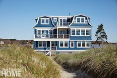 A Colorful Maine Beach House by Katie Rosenfeld New England Homes, New England Style, Maine Beaches, Beautiful Beach Houses, Riverside House, Fabric Houses, House And Home Magazine, House Painting, House Tours