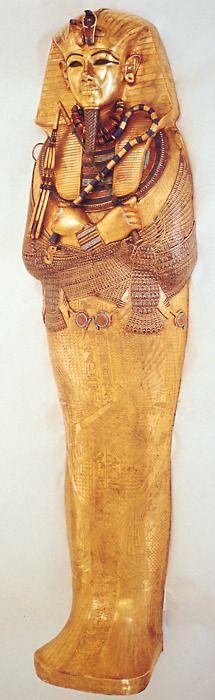 Tutankhamun. All in gold !!!
