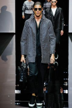 FR Daily News — Défilé Emporio Armani Menswear Printemps/Été 2015 Emporio Armani, Vogue Paris, Armani 2015, Fashion Show, Mens Fashion, Fashion Design, Contemporary Fashion, Spring Summer 2015, Luxury Branding