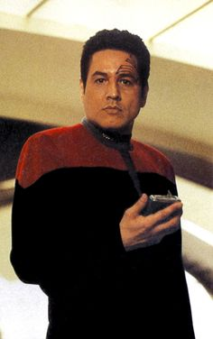 (4) Twitter Star Trek Starships, Star Trek Enterprise, Star Trek Voyager, Star Trek Cast, Watch Star Trek, Star Trek Universe, Marvel Universe, Robert Beltran, Star Trek Characters