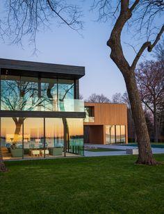 Lake Minnetonka Retreat Home / Snow Kreilich Architects