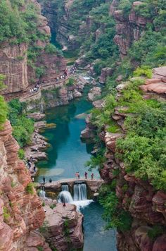 Hongshi Valley / China (by Visit China). ""