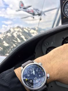 Hands-on debut of the 2014 Oris Big Crown ProPilot Altimeter watch: first automatic watch with mechanical altitude instrument. Most Popular Watches, Watch Blog, Nato Strap, Vintage Rolex, Luxury Watches For Men, Automatic Watch, Cool Watches, Fashion Watches, Chronograph