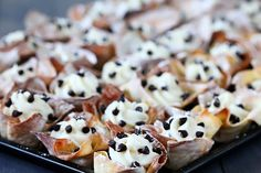 Easy Cannoli Cups - I am tearing up with the effort needed to contain my excitement