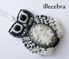 Minerwa - a little, black&white owl. #beadembroidery #illecebra