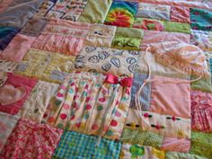 Baby clothes/blanket quilt - just another reason I should learn to sew Baby Clothes Blanket, Old Baby Clothes, Sewing Baby Clothes, Baby Sewing, Diy Clothes, Baby Memory Quilt, Baby Quilts, Memory Quilts, Sewing Crafts