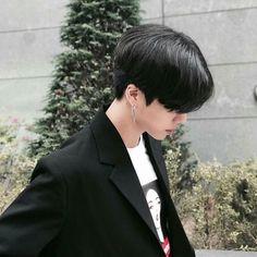 얼짱 Korean Boys Hot, Korean Boys Ulzzang, Ulzzang Boy, Asian Boys, Beautiful Boys, Pretty Boys, Cute Boys, Korean Boy Hairstyle, Estilo Tomboy