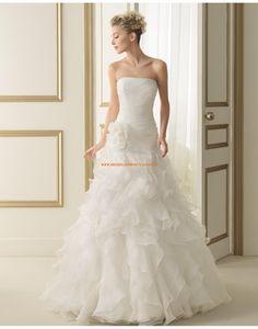 Wunderschöne trägerlose A-linie Reißverschluss Hochzeitskleider 136 ENCANTO | luna novias 2014
