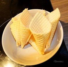 Zmrzlinky • recept • bonvivani.sk Waffles, Breakfast, Food, Morning Coffee, Waffle, Meals, Yemek, Eten