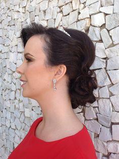 Noiva Aline Santana, casou dia 16/11/2013.  #welovebeauty #wedding #torritontaunay #casamento #penteadonoiva
