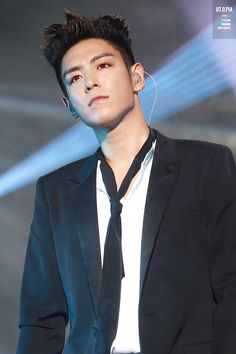 TOP | MADE Tour in Guangzhou I love red eyes