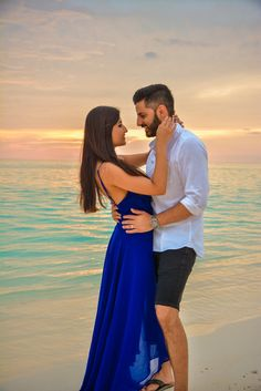 66 Ideas For Photography Ideas Poses Men Engagement Pictures - Wedding Photography Honeymoon Photography, Bridal Boudoir Photography, Wedding Couple Poses Photography, Couple Photoshoot Poses, Photography Ideas, Couple Shoot, Pre Wedding Poses, Pre Wedding Shoot Ideas, Pre Wedding Photoshoot