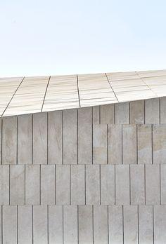 Stone Clubhouse,© José Hevia