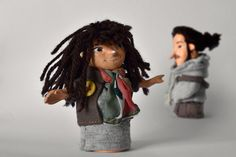 Marionetas personalizadas de los fundadores de DEDOS STUDIO.