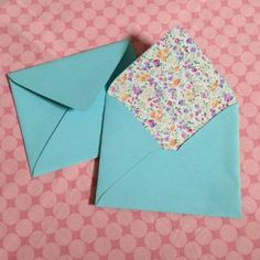 How to make fabric lined envelopes via @Guidecentral - Visit www.guidecentr.al for more #DIY #tutorials