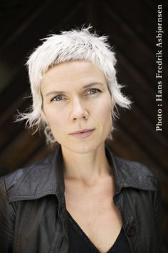 Just the Arctic, where everything is clear - Hanne Orstavik & Pierre Duba Short Punk Hair, Short Grey Hair, Short Hair Cuts, Long Hair, Vintage Hairstyles, Pretty Hairstyles, Pelo Vintage, Coiffure Hair, Mullet Hairstyle