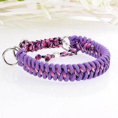 """Verstellbares Hundehalsband """"Asta-lila"""" mit Zugstopp, 25 - 32 cm, Paracord Lila/Schwarz-weiß-pink gemustert"""