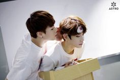 [04.04.16] Astro official Fancafe - Behind the scene from Music show promotions - MoonBin e MyungJun